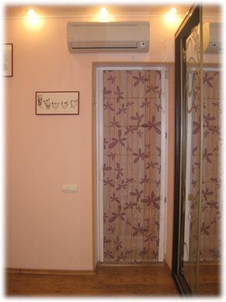 Mironich: роль шторы с балконной дверью.